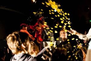 Kompanie Kopfstand «My Money My» — augenauf! Das Festival