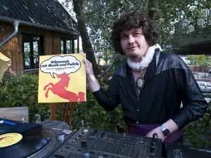 Ueberleb.bar / Nacht.tanz DJ Booty Carrell (Hamburg/Golden Pudel, B-Music)